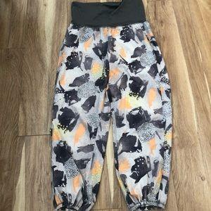 Lululemon OM pants 6
